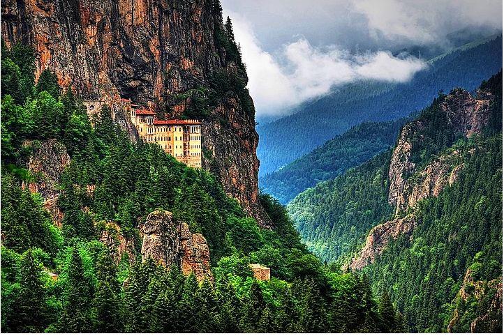 Trabzon-Sümela Manastırı. Fotoğraf, Mustafa Tayar.