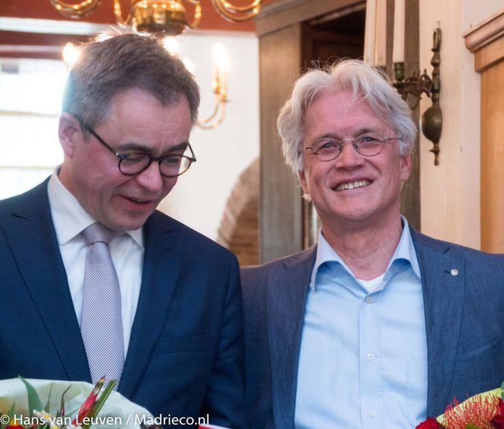 """Op zaterdag 6 mei verscheen """"De kleine Geschiedenis van Haarlem voor Dummies"""" van de Historische Vereniging Haerlem. Tijdens een feestelijke presentatie na"""