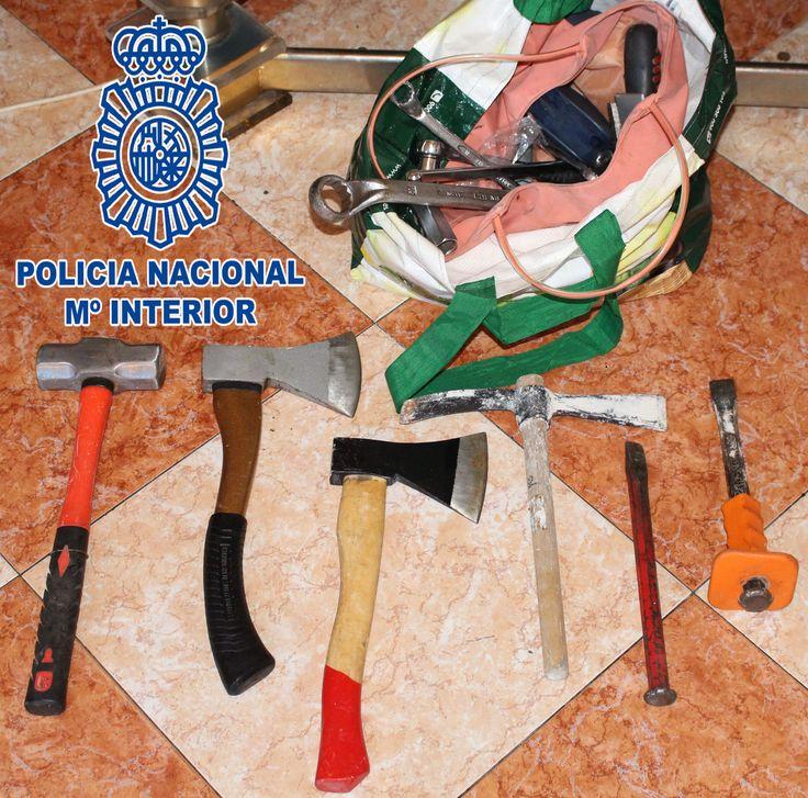 Periodico Digital de Málaga y Provincia   – La Policía Nacional desarticula una banda de aluniceros especializada en sustraer máquinas de tabaco