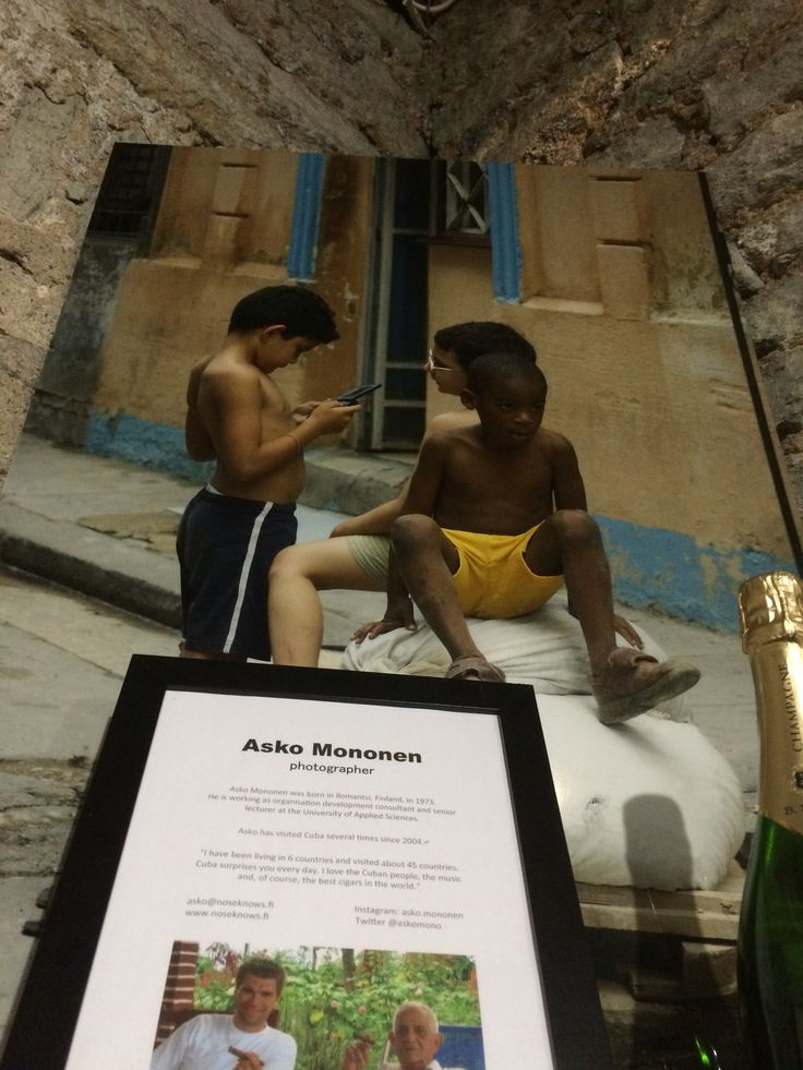 Kuubalaista elämää nähtävillä Tallinnassa. Käykää tsekkaamassa. Ikuistajana taiteilija, Tamoran partneri ja hallituksen jäsen loistava Asko Mononen.