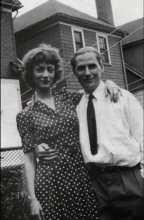 Elaine and Willem De Kooning, aka the Cutest art couple ever.... www.TransitionResearchFoundation.com