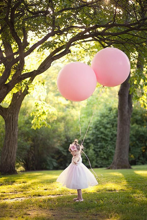 Giant Balloons.... seriously?? how fun!! :) could work for any demographic