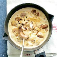 Maandag 24 september: Recept - Stroganoffsaus - Allerhande - Lekker met biefstuk of een tartaartjes met frites.