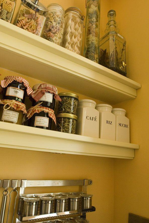 les 19 meilleures images propos de cuisines esprit cottage sur pinterest pi ces de monnaie. Black Bedroom Furniture Sets. Home Design Ideas