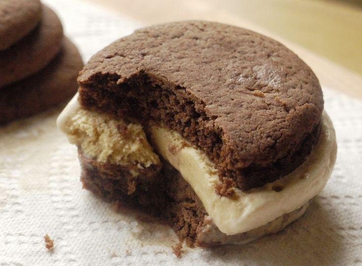 dulce de leche ice cream sandwiches alfajores inspired dulce de leche ...