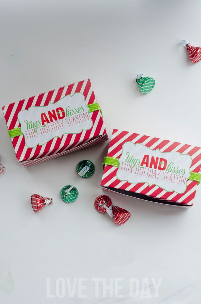 It's day two of Christmas Neighbor Gift week and it's all about Hugs and Kisses! These peppermint striped favor boxes from World Market are the perfect size to fill with a handful of Hershey's Hugs & Kisses and look so fun with 'Hugs & Kisses This Holiday Season tags. The Free Christmas Neighbor Tags can…