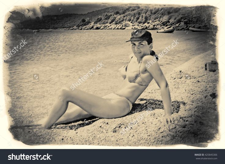 Beautiful Girl With Hat Enjoying The Sun On The Beach. Caucasian. Digital Processing Illustration Lines, Halftones - 425845306 : Shutterstock
