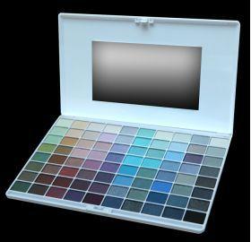 ELIXIR Κασετίνα Σκιών 80 Χρώματα 16HRS No 831 Κασετίνα με 80 σκιές ματιών από την τελευταία collection της ELIXIR με τα πιο μοδάτα χρώματα που διαρκούν ώς και 16 ώρες. Τιμή €17.00