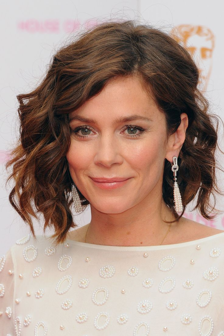 Anna Friel - May Beauty Muse | Harper's Bazaar