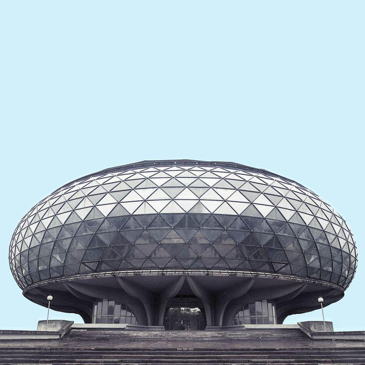 Kontroverse Baukunst: Die futuristische Architektur Belgrads | i-ref.de