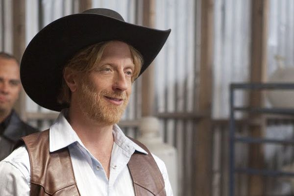 """Dating Advice From Chris Elliott:   """"Tell your girlfriend that Chris Elliott says you're in control of her hair."""""""
