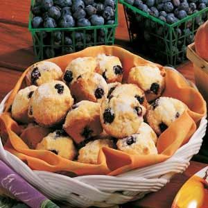 Blueberry Mini Muffins - make these with a combination of fresh & dried blueberries