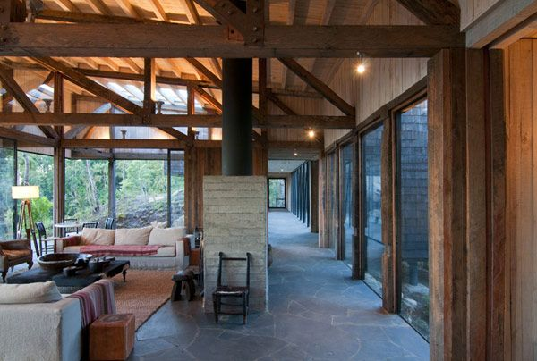 Ranco House Elton Lienz 8 Welcoming Ranco House in Chile Showcasing Charming Rustic Details