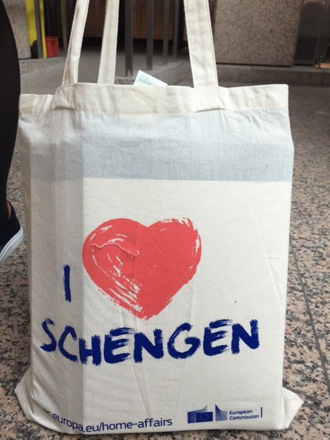 NL Presidency (2016, H1): Tote bag souvenir for EU summit (Mar 2016)
