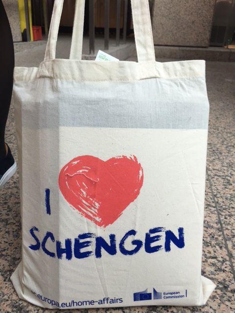 NL Presidency (2016, H1): Tote bag souvenir for EU summit (Mar 2016)