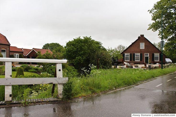 Домик в голландской деревне Вестбройк
