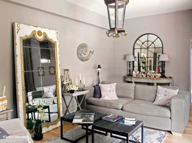 salon idee deco miroir mesa con spejo tras sof espejo grande entre sofas para el hogar. Black Bedroom Furniture Sets. Home Design Ideas