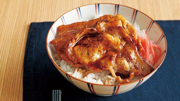 渡辺 あきこ さんの豚ロース肉を使った「豚丼」。北海道の郷土料理。帯広発祥の豚丼は、黒光りするようなツヤツヤのたれが特徴。豚肉を手軽にフライパンで焼き、カラメルをベースにした甘辛だれでコクを出しました。 NHK「きょうの料理」で放送された料理レシピや献立が満載。