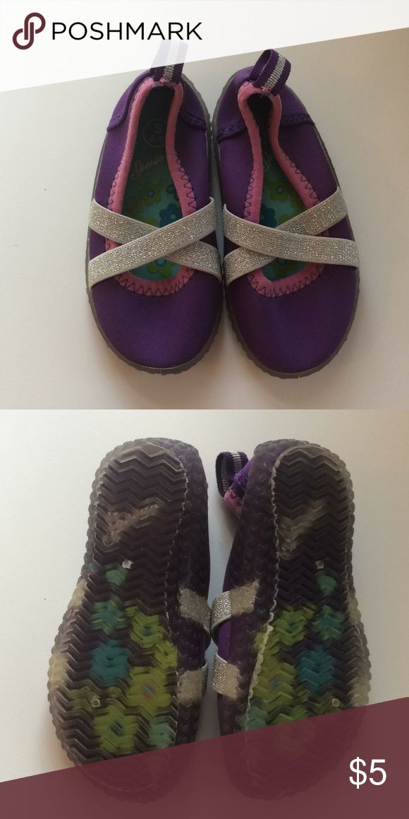 Toddler girls Speedo water shoes Excellent gently used condition. Great pair of water shoes. Show little to no wear. Speedo Shoes Water Shoes