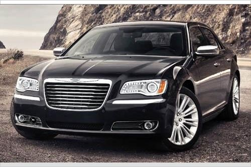 Edmunds' Top 10 Car Deals of the Month for March 2013 (Includes 2013 Chrysler 300 S Sedan & 2013 Chevrolet Camaro LS Coupe)