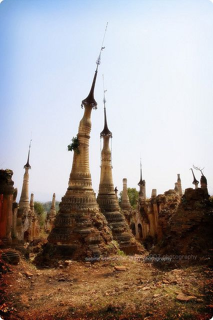 Shwe Inn Thein Stupa - Inle Lake, Mandalay, Myanmar / Burma