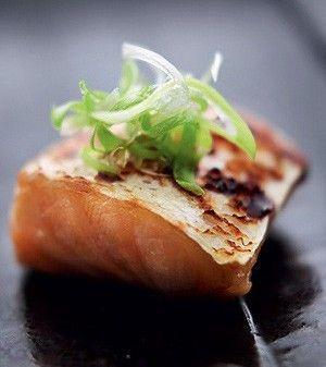 Salmão marinado no missô   / comida japonesa