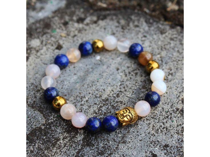 Dámskýbuddha náramek z lapis lazuli,hematitu aachátu botswana.   Velikost korálků 8 mm.  Dodáván v dárkové krabičce.