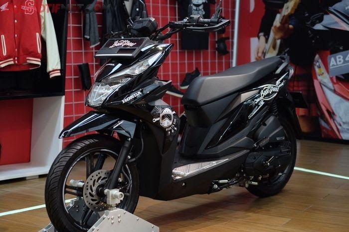 33 Stiker Keren Buat Motor Beat Nih Aksesori Honda Beat Street Resmi Pabrikan Bikin Tambah Download 250 Modifikasi Motor Matic Terkeren Di 2020 Motor Honda Gambar