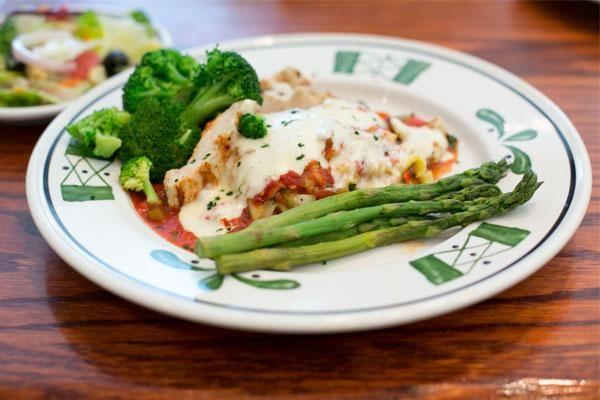 Lasagne primavera w/ steamed broccoli and a side of asperagus -  565 Cals/7gr fiber olive garden