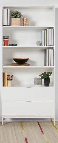 Bibliothèque Marcel : des lignes épurées qui donnent du caractère à votre déco sans jamais la surcharger. Idéale pour laisser libre cours à vos idées design, sa couleur grise s'intègre à tous les intérieurs.