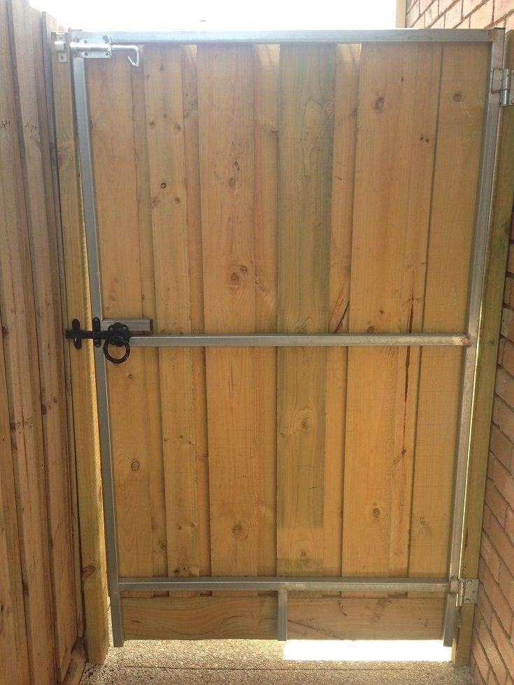 Vertical paling single pedestrian steel frame gate with ringlatch and padbolt