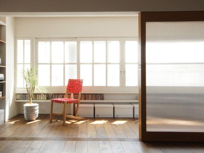縁側あるいはサンルーム  木製サッシは既存を白色へ塗装