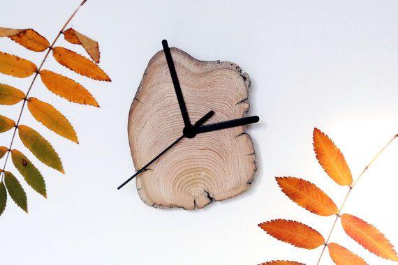 driftwood clock wooden clock modern wall clock living. Black Bedroom Furniture Sets. Home Design Ideas