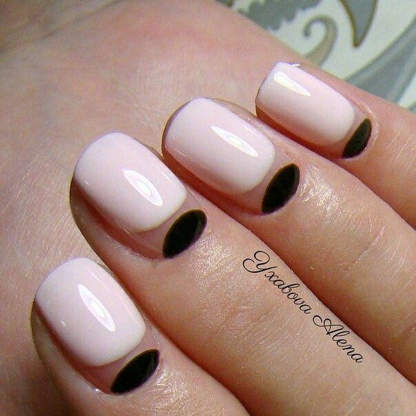 Натуральные ногти. Лунный маникюр. Лунки. Гель-лак. Красота. Natural nails. Moon Manicure. Graphics. Beaty