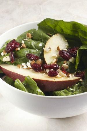 Ensalada antioxidante con pera o manzana y espinacas y un rico aderezo.