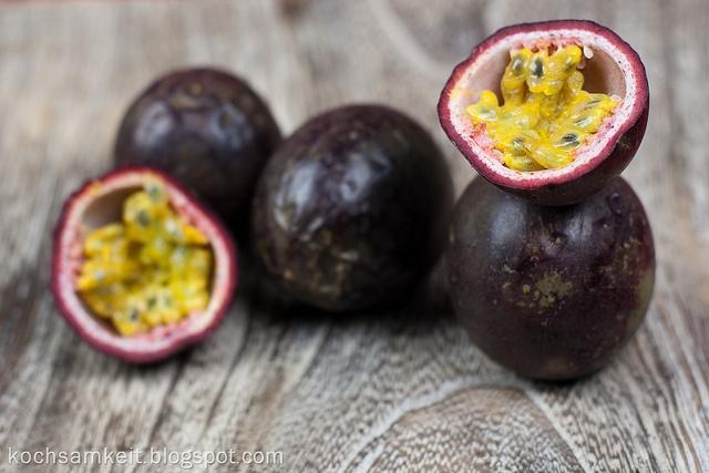 Passionsfrucht by Kochsamkeit, via Flickr