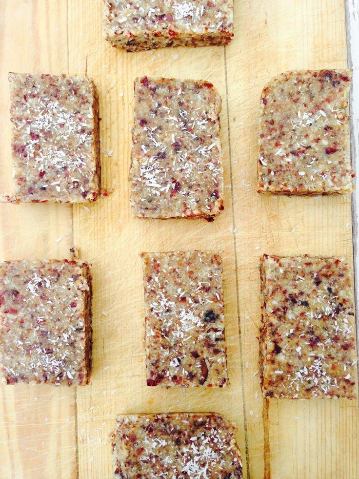 Simple and Clean Granola Bars Recipe