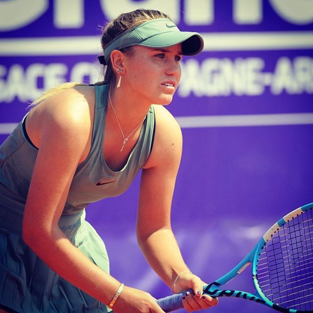 Sofia Kenin Young Tennis Match
