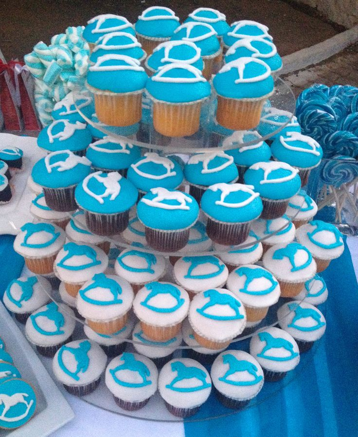 #cup cakes me alogaki kounisto, βαπτιση με αλογακι κουνιστό