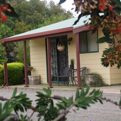 Ficifolia Lodge - Bed & Breakfast and Self Contained Accommodation in Kangaroo Island.