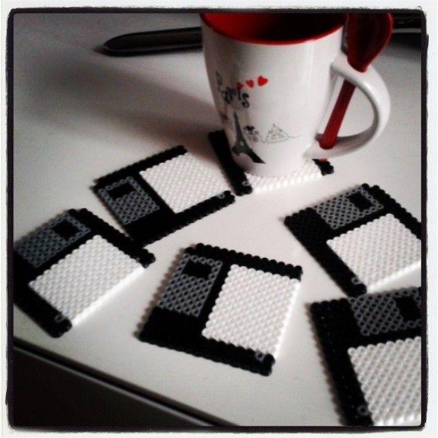 Floppy disk coasters hama beads by mi_armario_de_papel