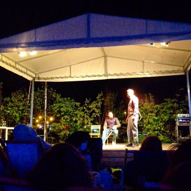 Spektakle wieczorne na Placu Zabaw nad Wisłą.