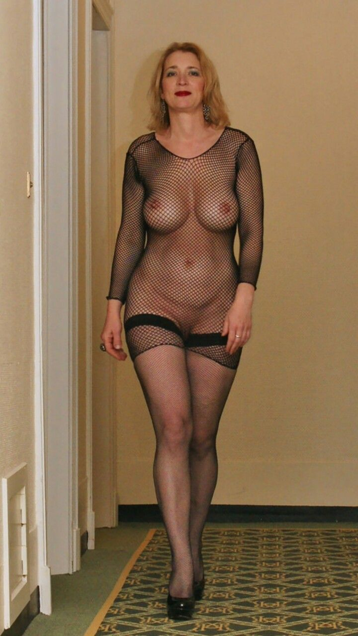 Sexy Nude English Milf 37