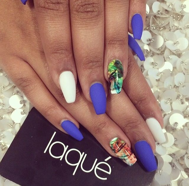 Love the contrast between the plain, matte colored nails and the shiny designed ones.