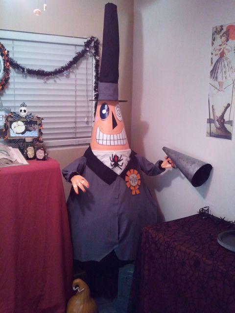DIY Nightmare Before Christmas Halloween PropsHalloween Props, Halloween Town, Halloween Fal, Life S Diy, Tim Burton, Nightmare Before Christmas, Diy Mayor, Diy Nightmare, Christmas Halloween