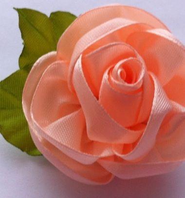 Easy DIY one piece ribbon rose - video kanzashi tutorial // Egyszerű szatén szalag rózsa - egy darabból (videó útmutató) // Mindy - craft tutorial collection // #crafts #DIY #craftTutorial #tutorial