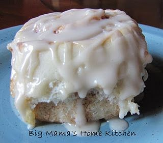 Best Ever Cinnamon Rolls {Big Mama's Home Kitchen}... these look sooo soft