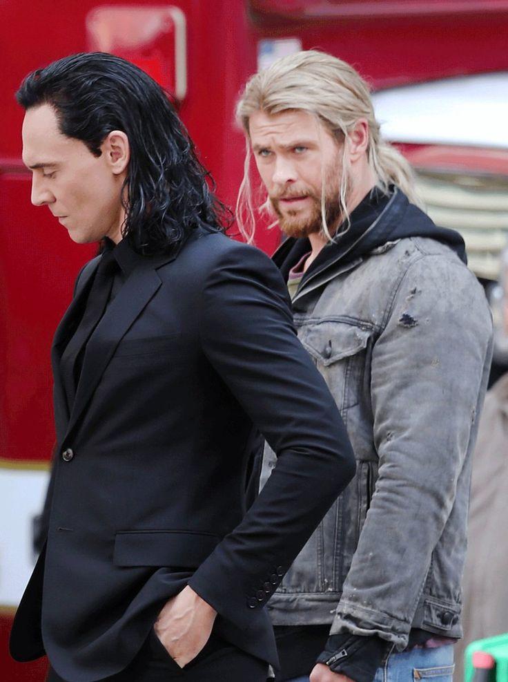 Tom Hiddleston. Via Twitter. | Thor: Ragnarok | Pinterest ...