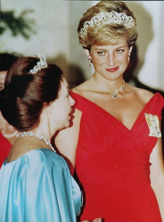 Princess Margaret with Princess Diana having dinner for President of Italy