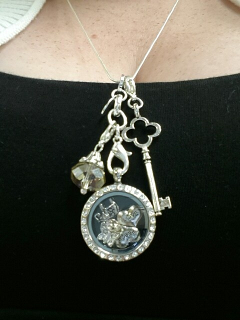 ♥ My Origami Owl Necklace!